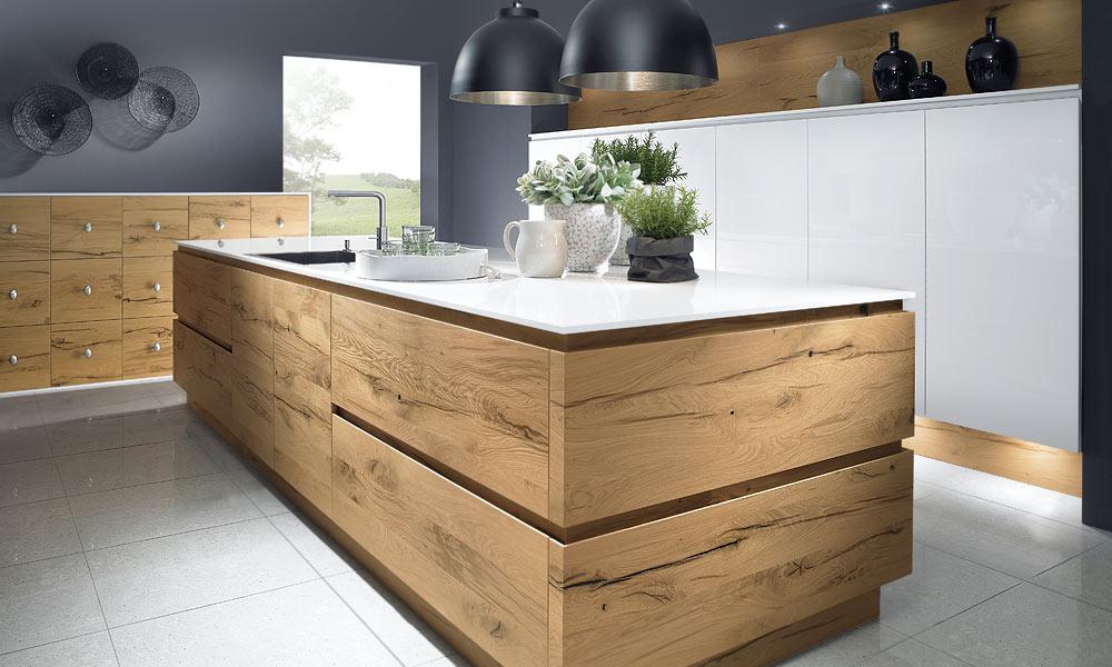 Keukens styling keukens - Witte keuken en hout ...