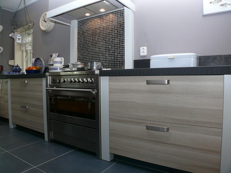 Familie gijssel kruiningen zeeland eigentijdse keukens styling keukens - Eigentijdse keuken grijs ...