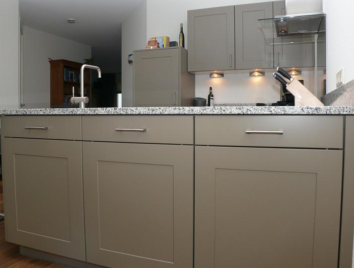 Familie de moor kruiningen zeeland eigentijdse keukens styling keukens - Eigentijdse keuken grijs ...